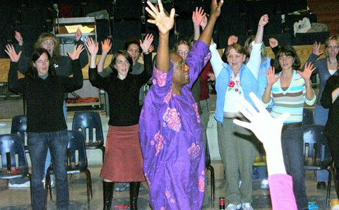 teacher-conference-key-note-drum-circle-2-fall-2006.JPG